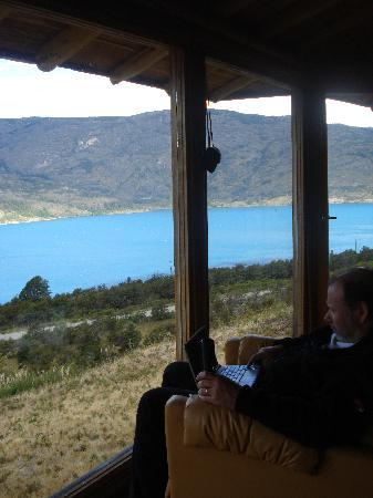 Mallin Colorado Ecolodge: vista desde la cabña