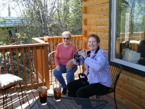 Currant Ridge: enjoying the deck