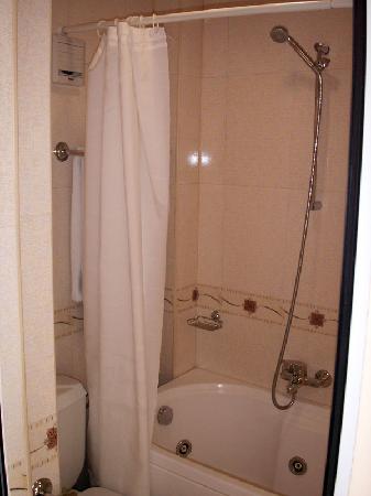 Hotel Imperial: Bathroom
