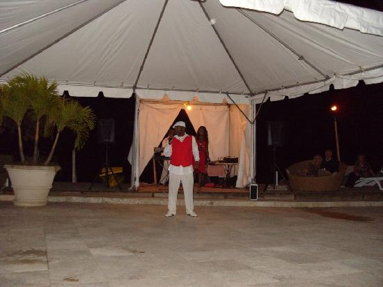 Mango Bay All Inclusive: One of the entertainers