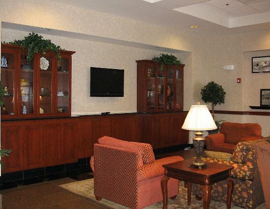 Drury Inn & Suites Indianapolis Northeast: Lobby