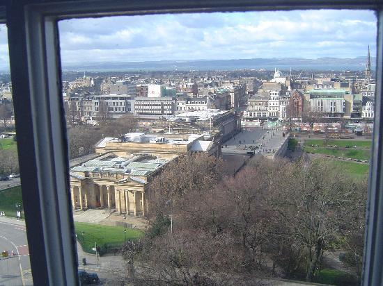 Capital View Apartments: vista  sul museo