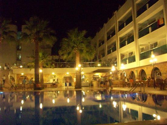 Turunc Hotel: Nachts/Abends