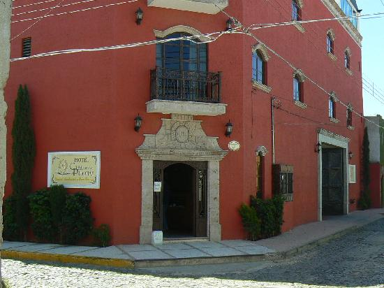 Tonala, Mexico: Hotel front- office entrance