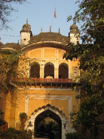 Lucknow rencontres rencontres deuxième cousin une fois enlevé datant