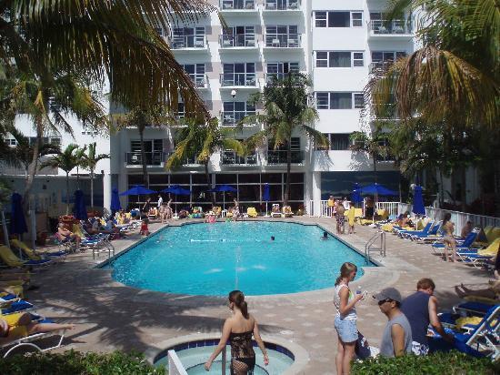 Beach - Picture of Courtyard Cadillac Miami Beach ...