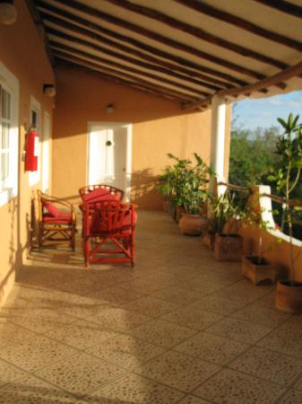 Hotel Residencia La Mariposa: Terrace outside of our room