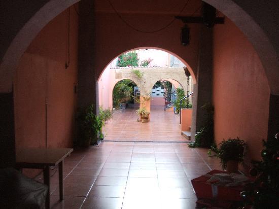 Hotel Posada de la Mision: View to the street