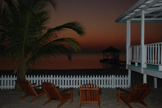 Joyce & Frank's Bed & Breakfast: One set of beach chairs to relax in on the beach.