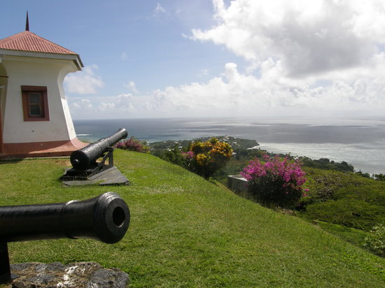 Scarborough, Tobago: Cannons at Fort King George, Tobago