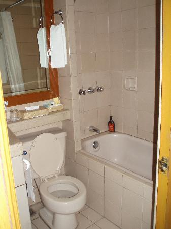 Bathroom, Herald Suites hotel, Makati