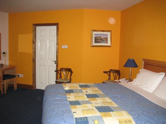 Virginia's Guesthouse Kenmare: room #21