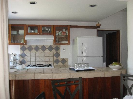 Villa Milpa: Kitchen area