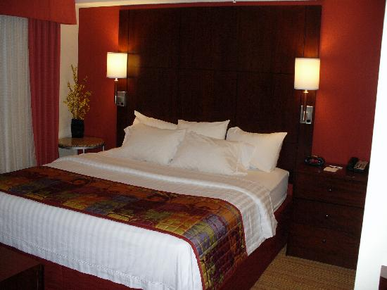 Residence Inn Toledo Maumee: Main bed in Studio Room