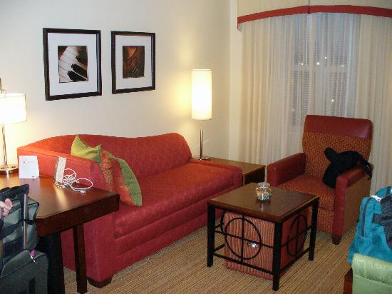Residence Inn by Marriott Toledo Maumee: Living Room