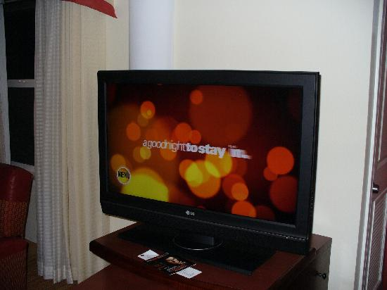 Residence Inn Toledo Maumee: Flatscreen HDTV