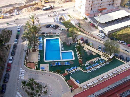 Piscina y playa picture of hotel poseidon playa for Hotel poseidon benidorm