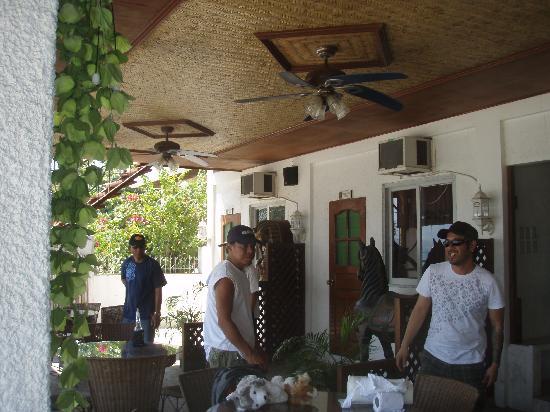 Treasure Island Resort: Kokomos next door