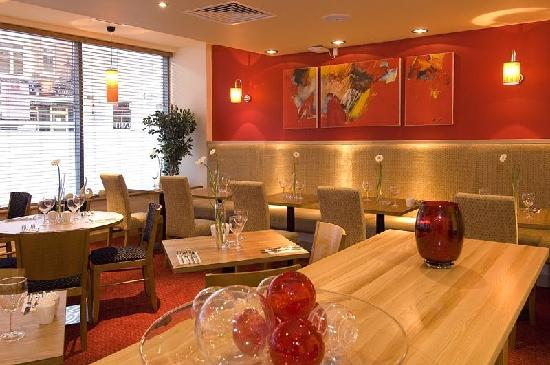 Premier Inn Chester City Centre Hotel: Restaurant 2