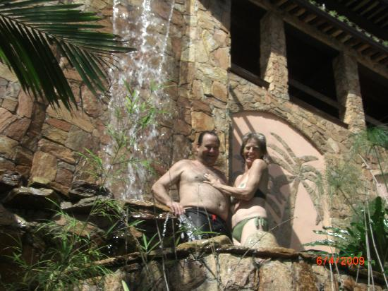 Cachoeira Inn: Another waterfall - so many 'little' places to be in.