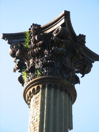 Port Gibson, MS: The Corinthian columns are full of detail