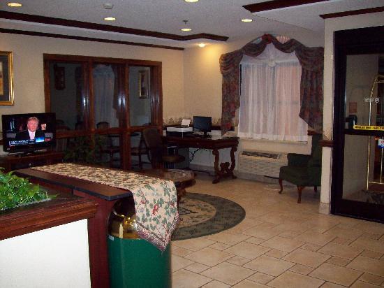 Baymont Inn & Suites Asheville/biltmore : Lobby