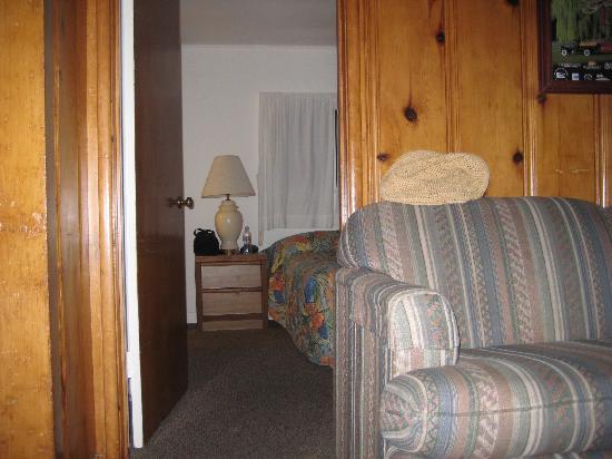 Ferndale Resort & Marina: inside cottage