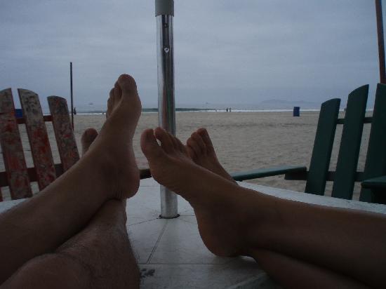 Los Pelicanos Hotel: 10 minute walk to all the beach bars