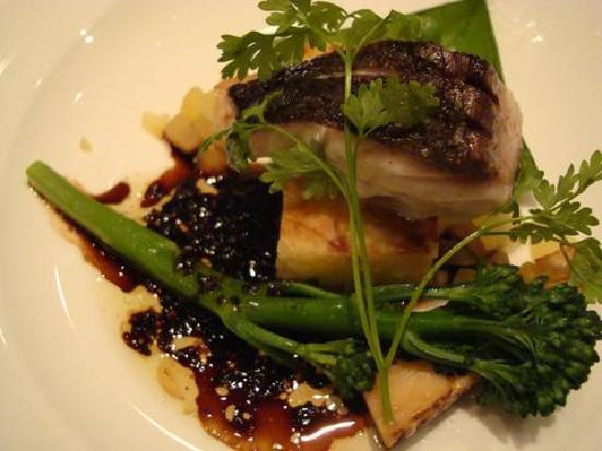 Kiyosato Kogen Hotel: メインの真鯛のポワレ。おいしかった。