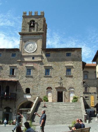 Villa Marsili : The main square in Cortona