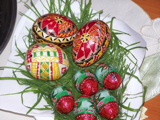 Casa Baciu : Traditional Easter eggs in our room