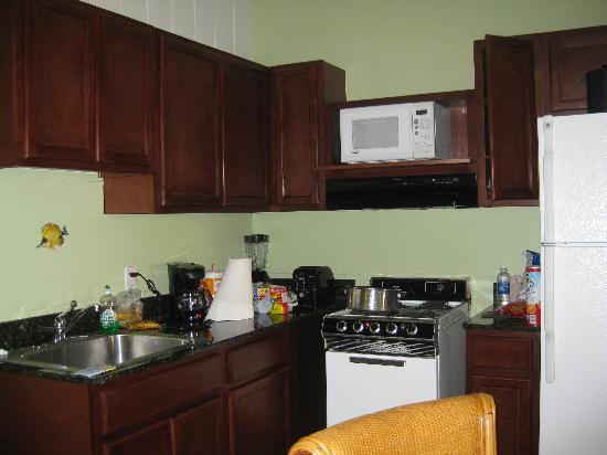 Chesapeake Beach Resort: kitchen