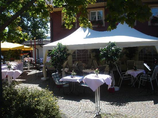 Hotel Schiff Schluchsee: Hotel Schiff Sommer mit Seeterrasse