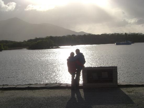 Loch Lein Country House: Abendstimmung am Loch Lein