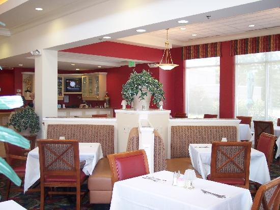 Hilton Garden Inn Newport News: Dining Area