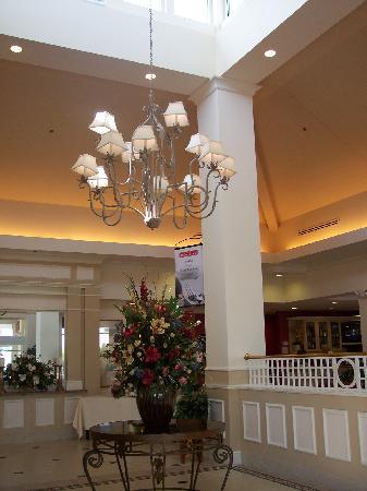 Hilton Garden Inn Newport News: Entrance