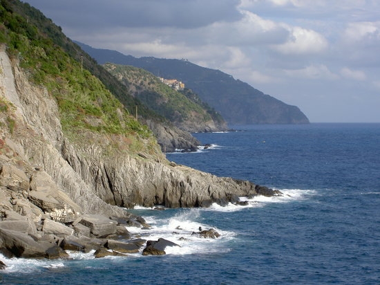 Vernazza, Italia: View to the south