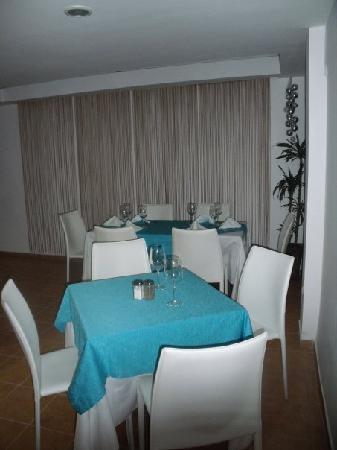 Taste Restaurant & Terrace: Inside