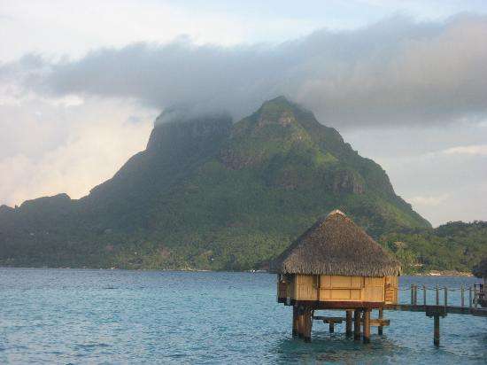 Bora Bora Pearl Beach Resort & Spa: another view from room