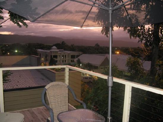 Port Douglas Cottage & Lodge: View from balcony