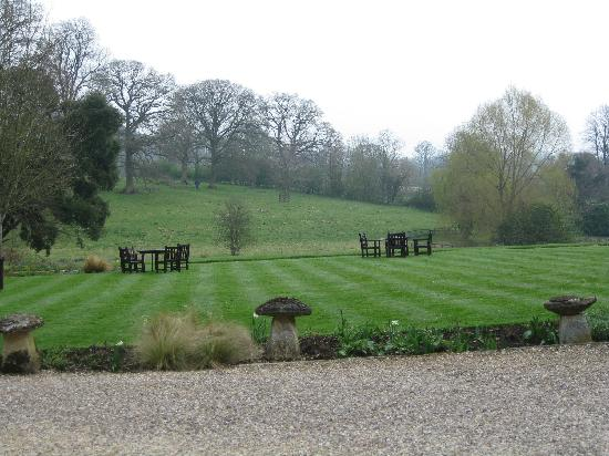 Lords of the Manor Hotel: Front lawns (in April!)