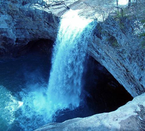Mentone Day Dream Log Cabins: Desoto Falls