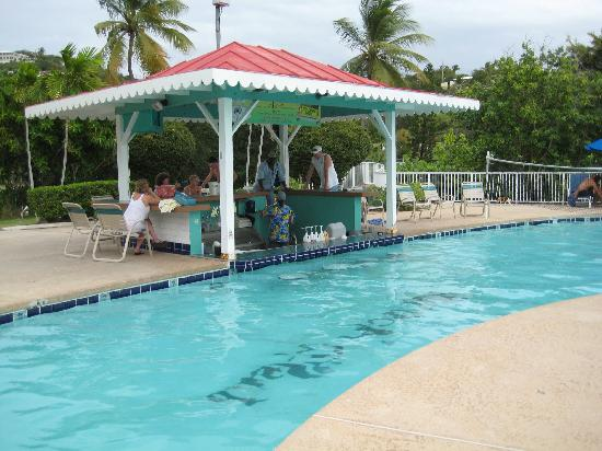 Bluebeard S Beach Club And Villas Swim Up Bar
