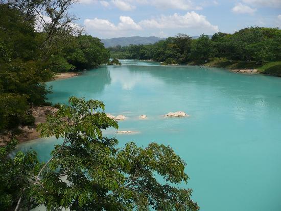 Hotel Villa Mercedes Palenque: Agua Clara
