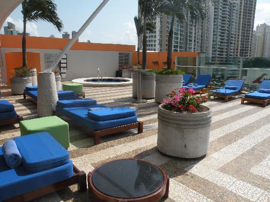 Radisson Decapolis Hotel Panama City: The pool area!