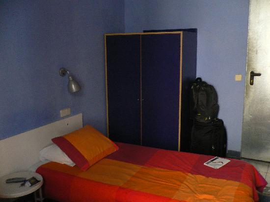 Casa Chueca Hostal: SINGLE BED