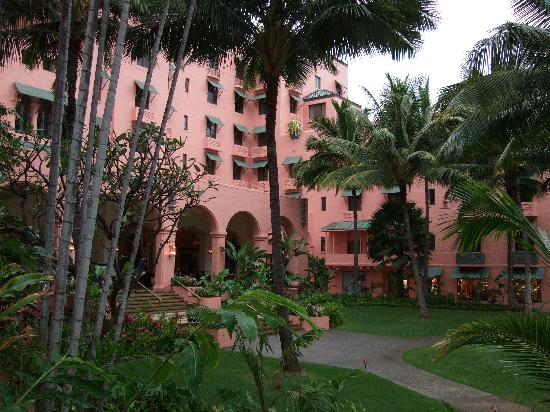The Royal Hawaiian, a Luxury Collection Resort: A graceful lady full of elegance
