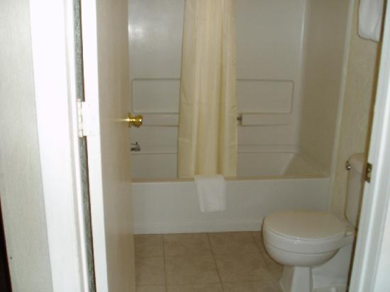 Main Motel: Bathroom