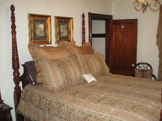 The Victoria Skylar Bed and Breakfast Picture