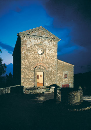 Volpaia : Commenda church by night